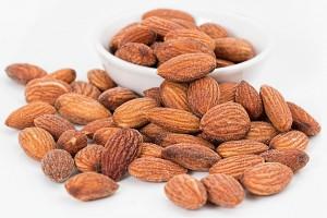 almonds-1768792_960_720