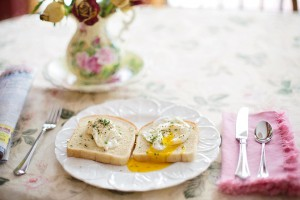poached-eggs-on-toast-739401_960_720